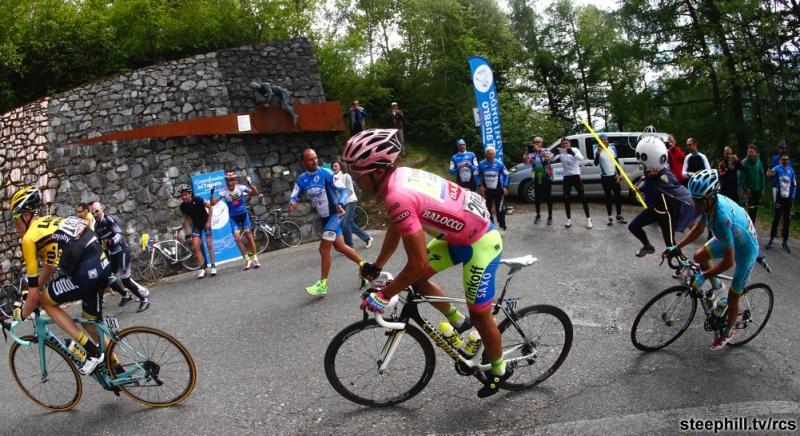 На маршруте одного из этапов итальянской супервеломногодневки Джиро д'Италия (Giro d`Italia)