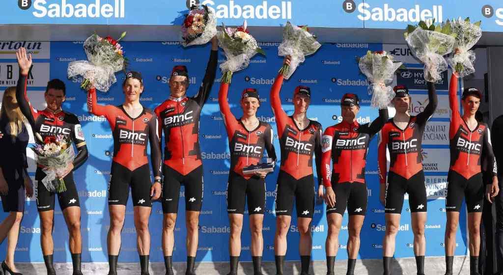 Гонщики команды BMC , спортивный директор команды Sky, Тони Мартин о командной гонке на время 1-го этапа Вуэльты Валенсии-2017