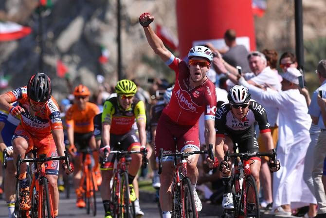 Третья победа Александра Кристоффа на этапах Тура Омана-2017
