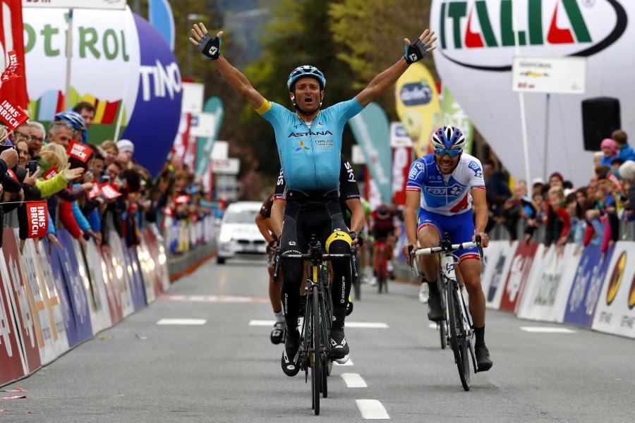 Микеле Скарпони выигрывает первый этап Альпийского Тура