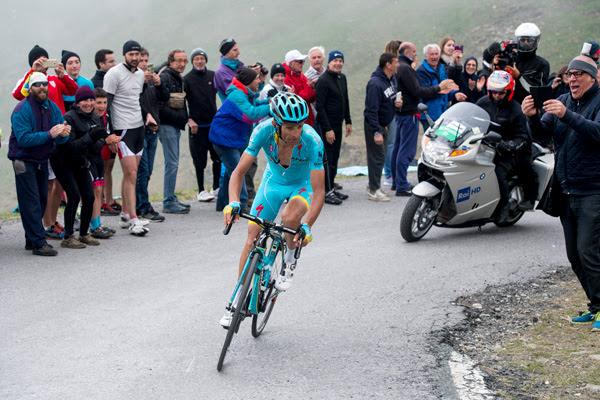 Горная премия в память Микеле Скарпони при прохождении Мортироло на Джиро д'Италия-2017