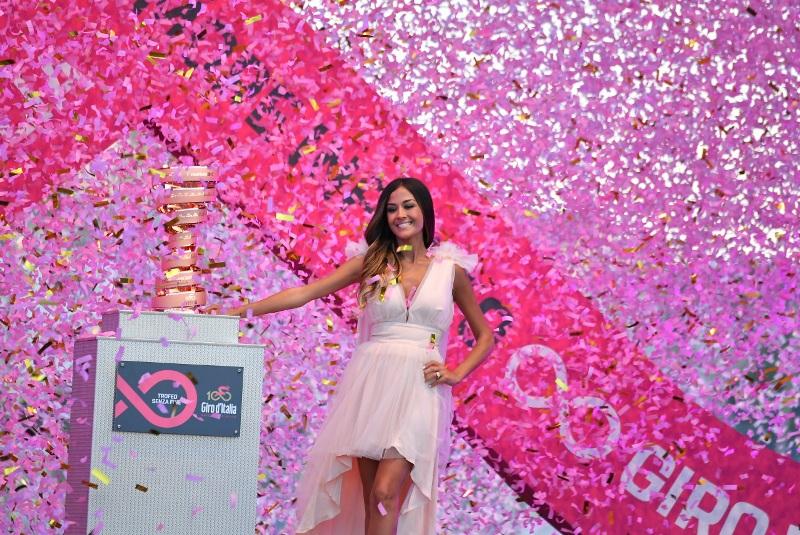Фотогалерея с презентации велокоманд на юбилейном, 100-м выпуске Джиро д'Италия