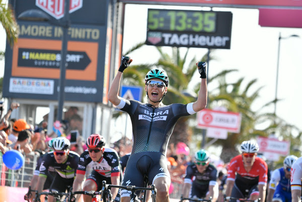 Лукас Пёстлбергер побеждает на 1-м этапе Джиро д'Италия-2017, атаковав за 1,5 км до финиша