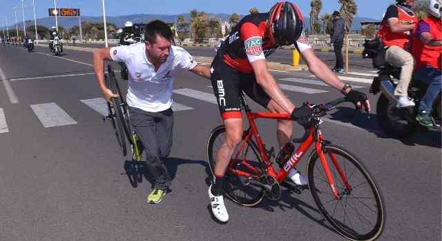 Падение Роана Денниса на 3-м этапе Джиро д'Италия-2017