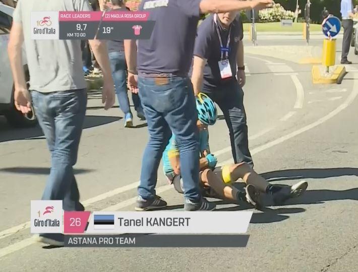 Танел Кангерт сходит с Джиро д'Италия-2017 после падения на 15-м этапе