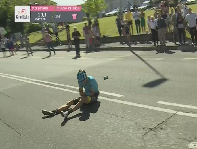 Танел Кангерт прекращает борьбу на Джиро д'Италия-2017 после падения на 15-м этапе