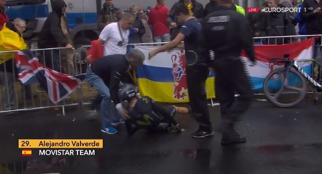 Алехандро Вальверде сошёл с Тур де Франс-2017 из-за падения