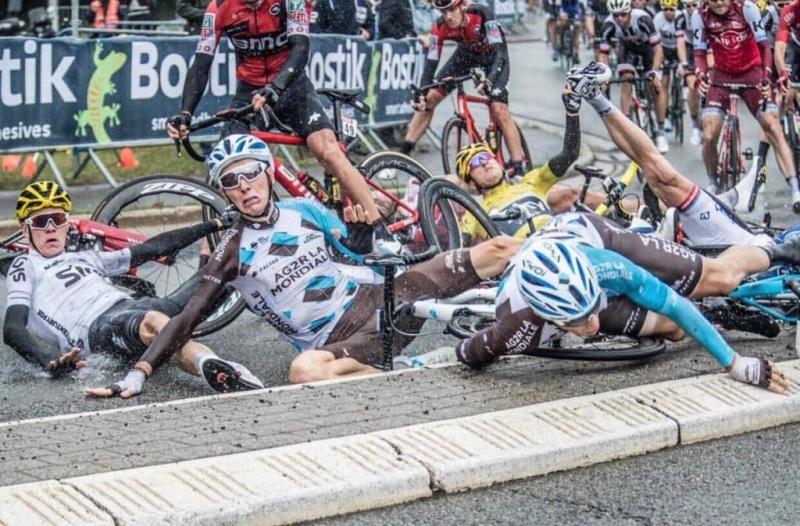 Крис Фрум, Герант Томас, Роман Барде, Ричи Порт о завале на 2-м этапе Тур де Франс-2017