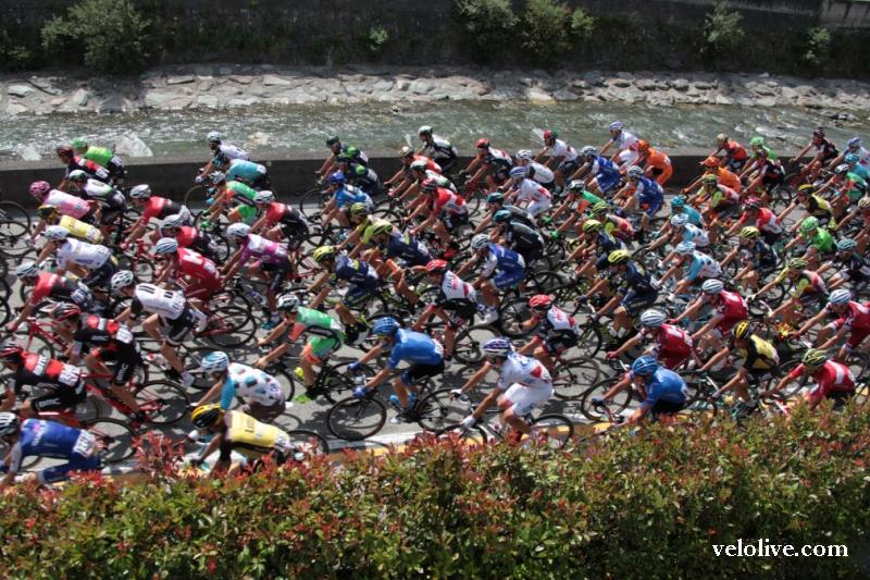 Вышла в свет книга известного веложурналиста и фотографа Влада Богомолова «Джиро» вокруг меня»