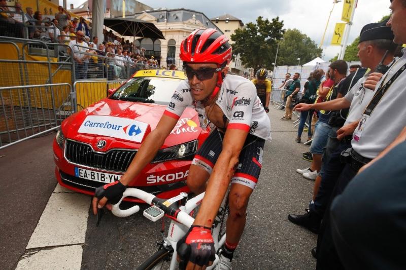 Два падения Альберто Контадора на 9-м этапе Тур де Франс-2017