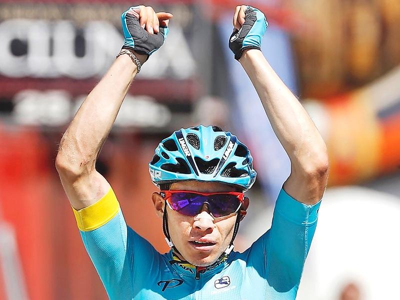 Мигель Анхель Лопес выигрывает финальный этап Вуэльты Бургоса-2017