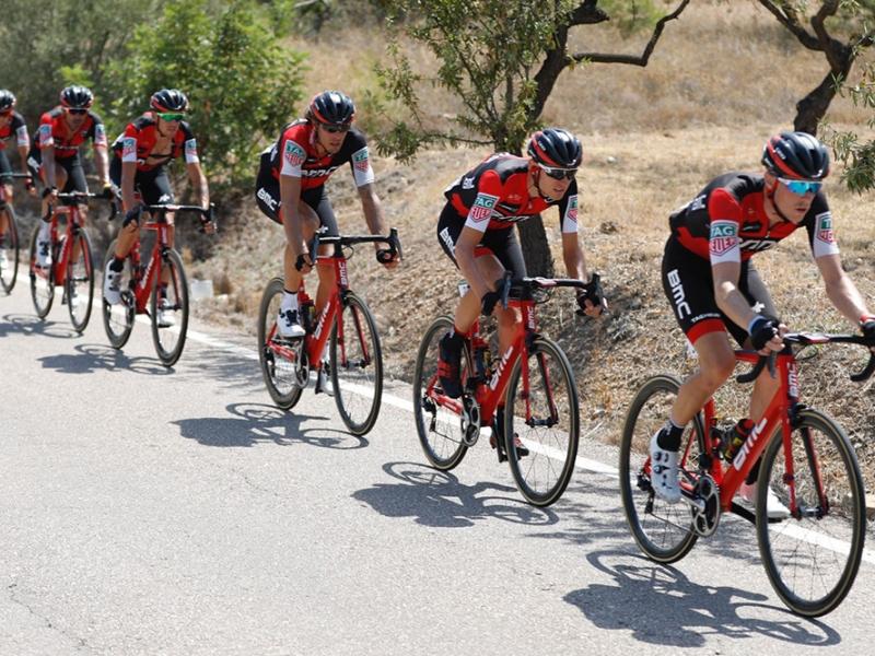 Тиджей Ван Гардерен остался в гонке после двух падений на 6-м этапе Вуэльты Испании-2017