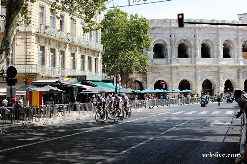 VeloLIVE в Ниме на 1 этапе Вуэльты Испании-2017