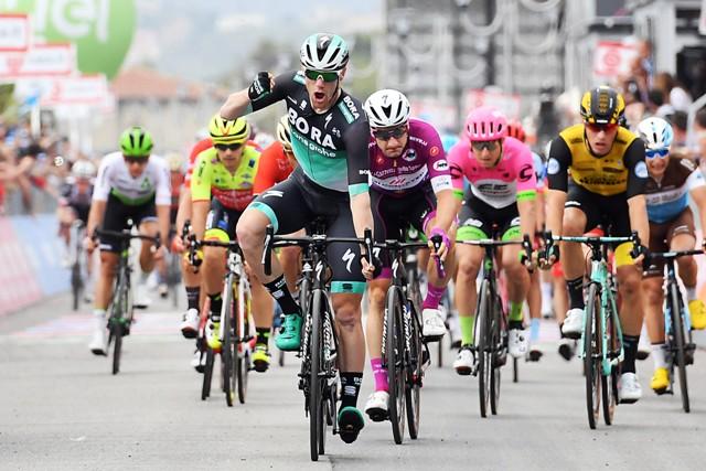 Сэм Беннетт, Элиа Вивиани, Саймон Йейтс о 7-м этапе Джиро д'Италия-2018