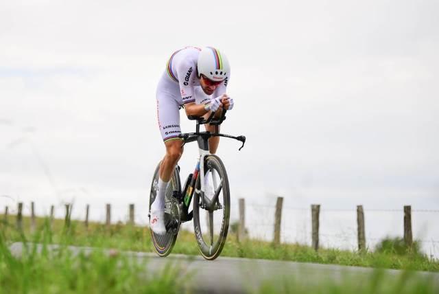 Том Дюмулин побеждает на 20-м этапе Тур де Франс-2018 и гарантирует себе место на подиуме Большой Петли