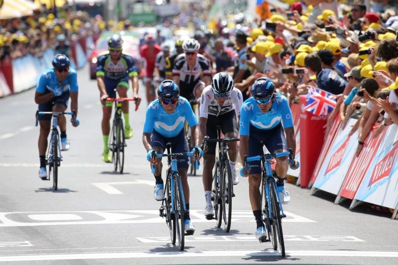 На 1-м этапе Тур де Франс-2018 один из капитанов команды Movistar Наиро Кинтана финишировал через 1 минуту 15 секунд после основной группы