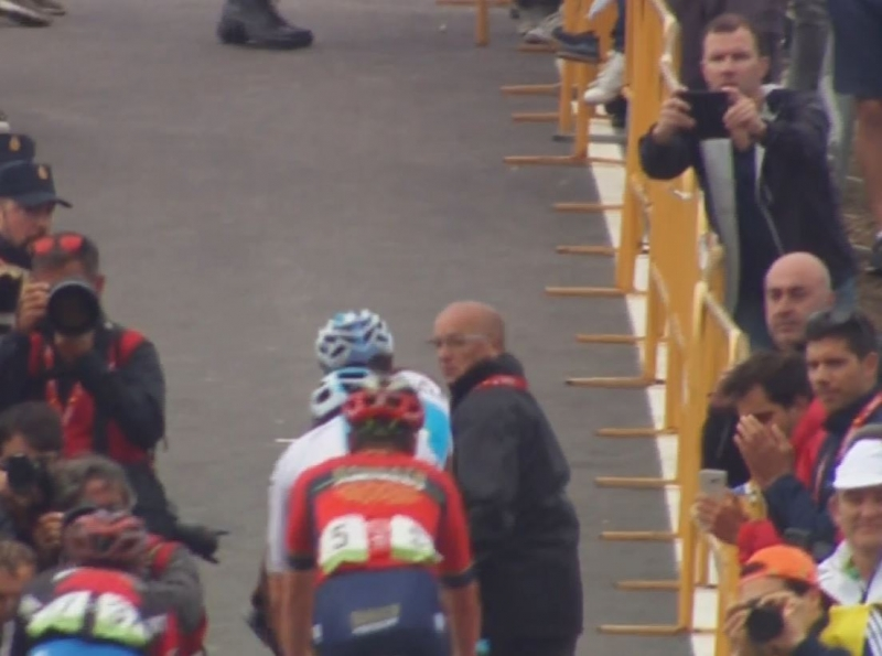 Организаторы Вуэльты Испании-2018 извинились перед гонщиками за происшествие после 12 этапа