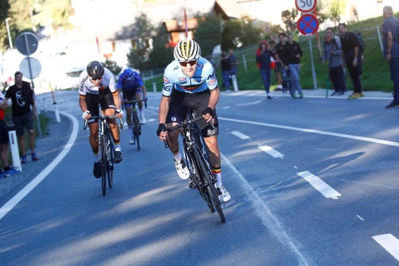 Ремко Эвенепул  - абсолютный чемпион мира 2018 года на шоссе среди юниоров
