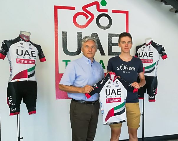 Тадей Погачар, Руй и Иво Оливейра, Кристиан Муньос  – гонщики команды UAE-Team Emirates с 2019 года