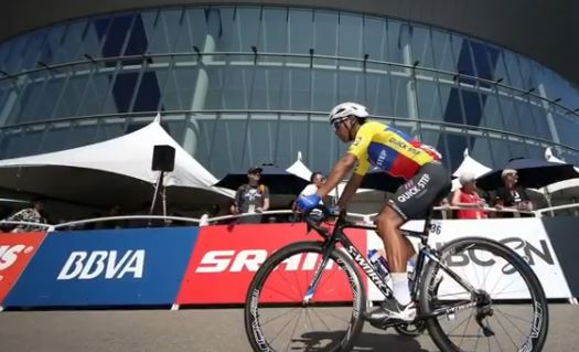 Эквадорский гонщик Джонатан Нарваэс переходит в команду Sky
