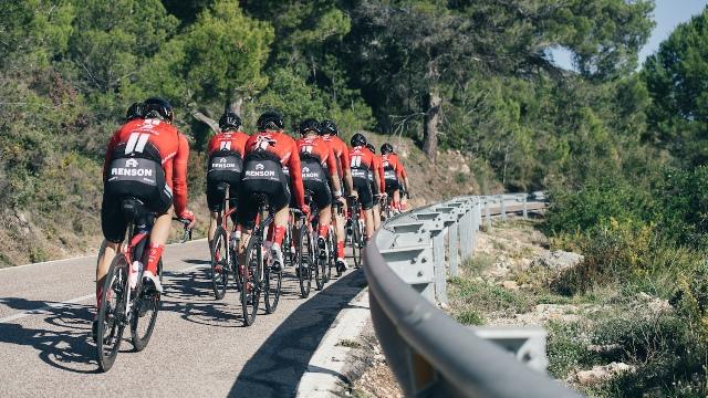 Команда Sunweb представила велоформу на 2019 год