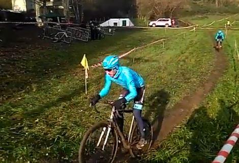 Горка и Йон Исагирре упали во время соревнований по велокроссу