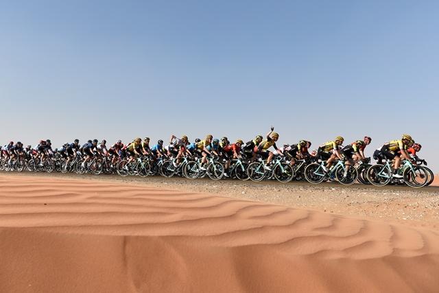 UCI вводит высокие штрафы за выброшенные вне допустимых зон бачки и мусор