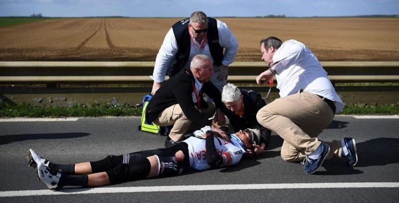 Сходы и травмы гонщиков на 2-м этапе Париж-Ницца-2019