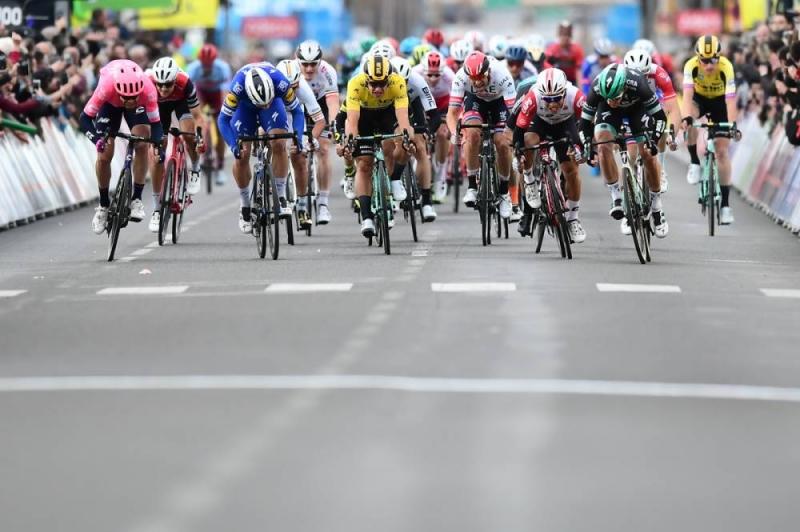 Сэм Беннетт – победитель 3 этапа Париж-Ницца-2019
