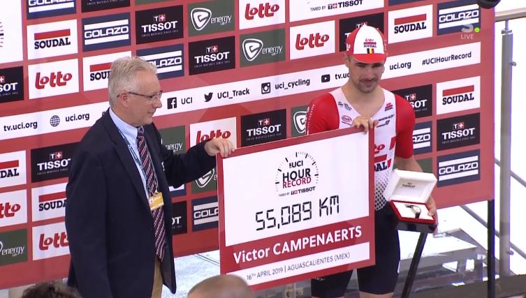 Виктор Кампенартс установил часовой рекорд на треке - 55,089 км