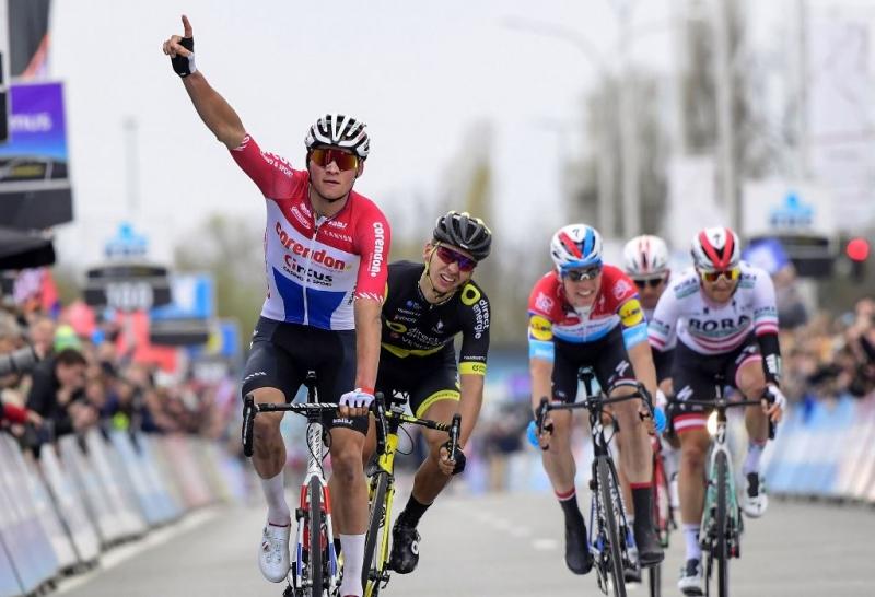 Матье ван дер Пул – победитель Dwars door Vlaanderen-2019