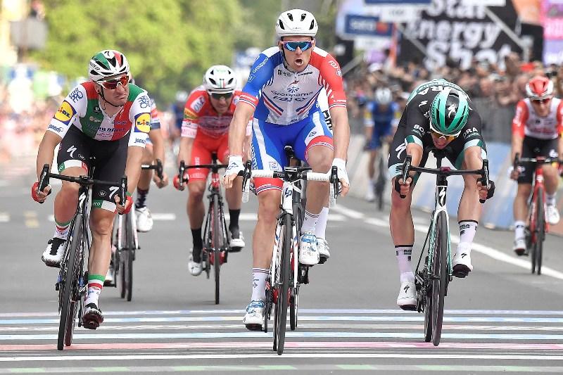 Первая в карьере победа Арно Демара на этапе Джиро д'Италия