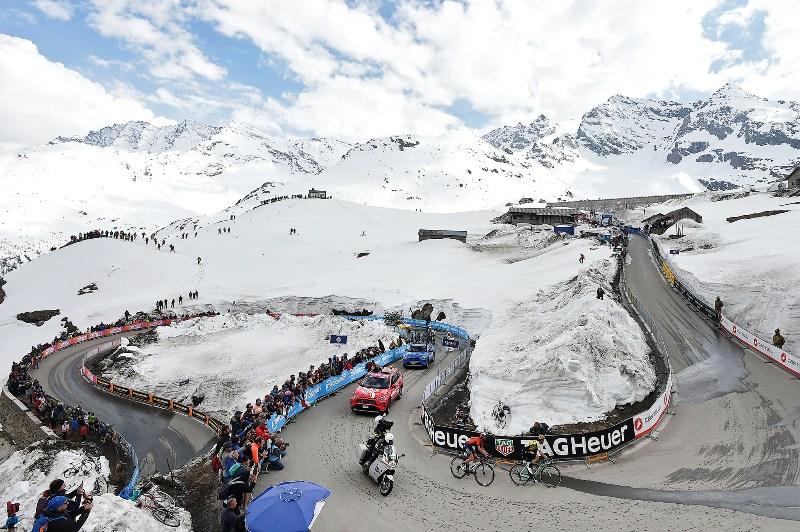 На 13-м этапе Джиро д'Италия-2019 с финишем в подъём 1-й категории на высоте 2247 м победу из отрыва одержал 29-летний российский гонщик команды Katusha-Alpecin Ильнур Закарин