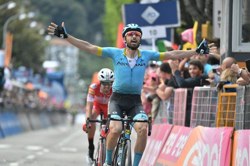 Дарио Катальдо побеждает из отрыва на 15-м этапе Джиро д'Италия-2019, Ричард Карапас удерживает майку лидера