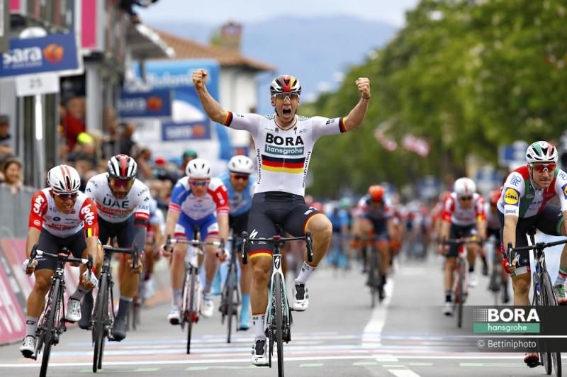 Паскаль Акерманн, Элиа Вивиани, Калеб Юэн, Фернандо Гавирия о 2-м этапе Джиро д'Италия-2019