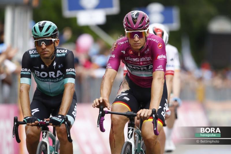Падение Паскаля Акерманна на 10 этапе Джиро д'Италия-2019