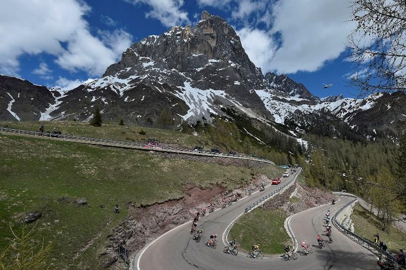 На финальном горном 20-м этапе Джиро д'Италия-2019 с набором высоты 5200 м и финишем в подъём 1-й категории Кроче д'Ауне - Монте Авена (Croce d'Aune - Monte Avena)