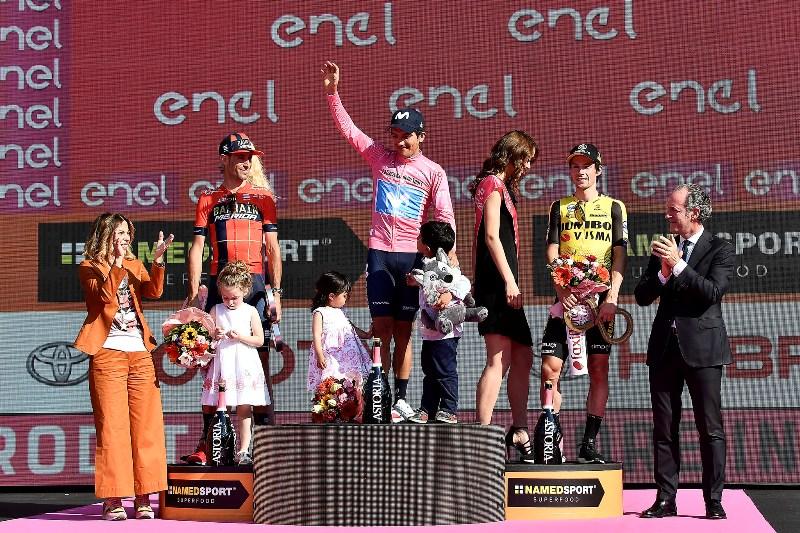 Подиум Джиро д'Италия-2019 - Ричард Карапас (Movistar), Винченцо Нибали (Bahrain-Merida), Приможе Рогличь (Jumbo-Visma)