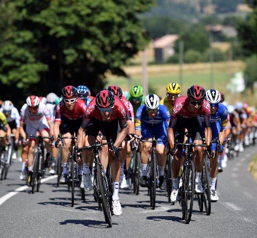 Герант Томас и Эган Берналь – в тройке общего зачёта перед первым днём отдыха на Тур де Франс-2019
