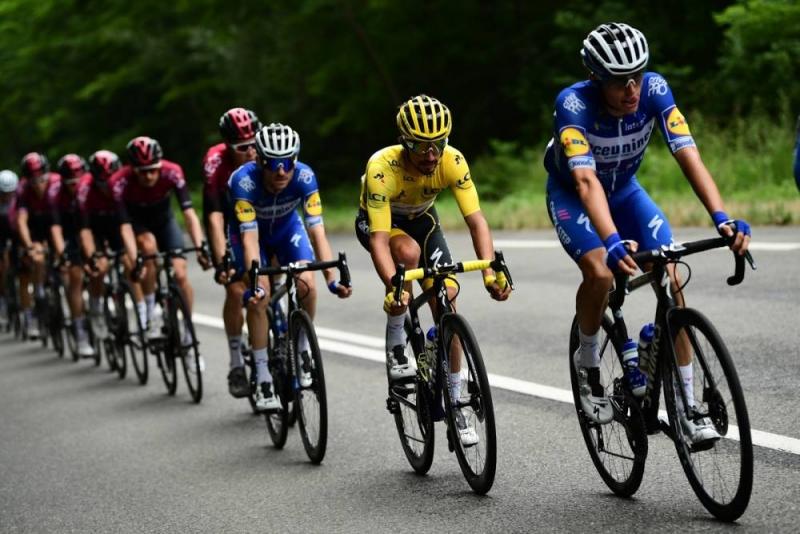 Жулиан Алафилипп сохранил жёлтую майку лидера после 15 этапа Тур де Франс-2019
