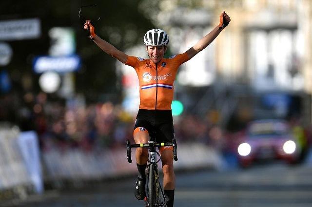 Аннемик Ван Флётен - чемпионка мира в групповой гонке-2019