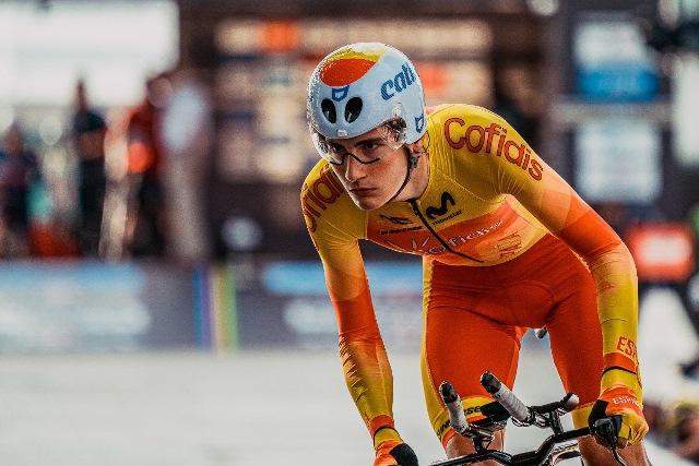 Карлос Родригес – новый велогонщик команды Ineos