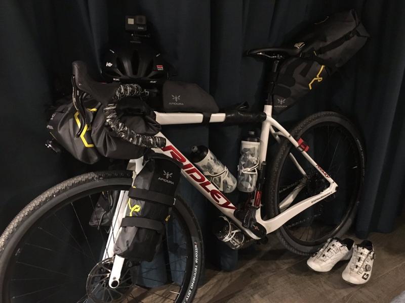 Томас Де Гендт и Тим Велленс отправились в 700-км «Финальный отрыв-2»
