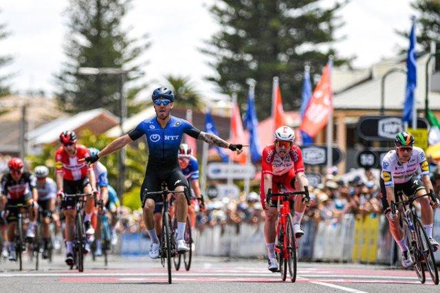 Джакомо Ниццоло – победитель 5 этапа Тура Даун Андер-2020