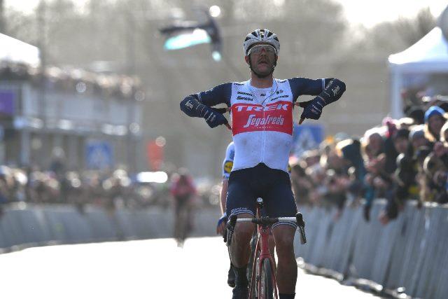 Яспер Стёйвен – победитель классики Omloop Het Nieuwsblad-2020