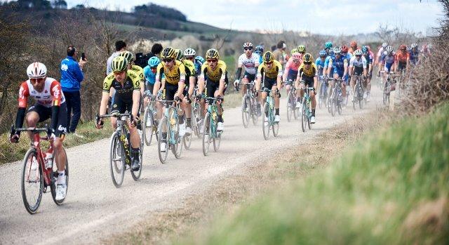 Команды Mitchelton-Scott, Jumbo-Visma отказываются от участия в ближайших велогонках