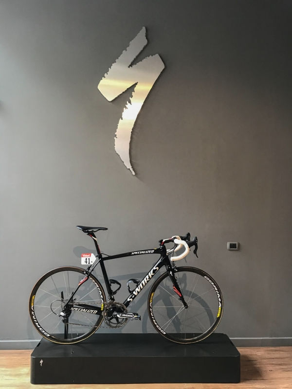 Specialized проводит аукцион уникального велосипеда и велораритетов для поддержки гражданской защиты Италии.