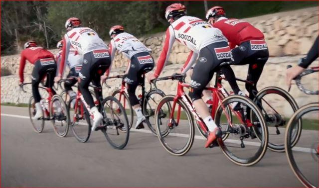 Велокоманда Lotto Soudal разделит гонщиков на группы