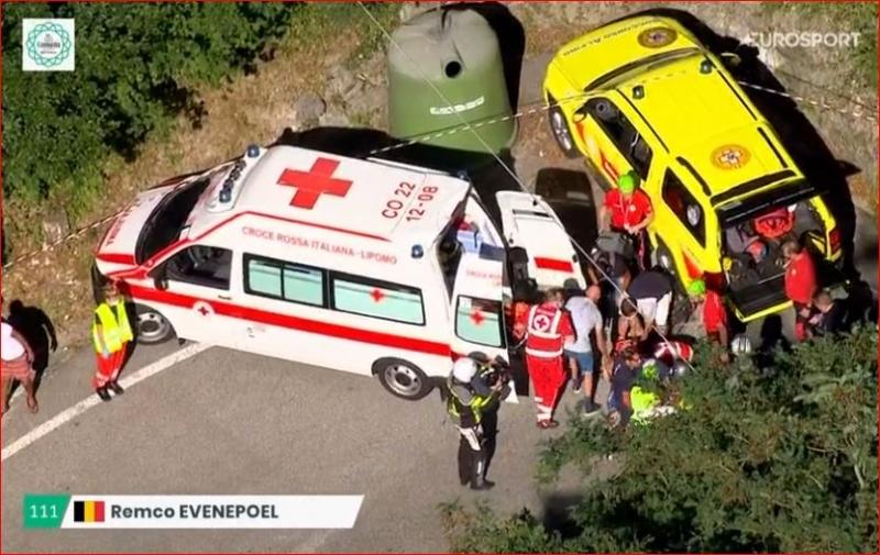 Ремко Эвенепул упал на спуске классики Ломбардия-2020