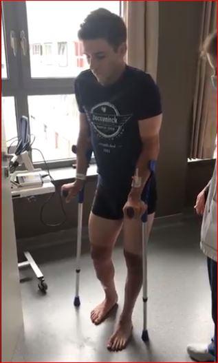 Ремко Эвенепул сделал первые шаги после падения на классике Ломбардия-2020